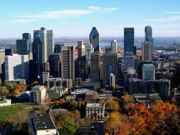 เมืองในแคนาดา